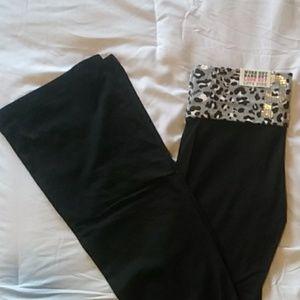 Nwt Victoria Secret bling yoga pants